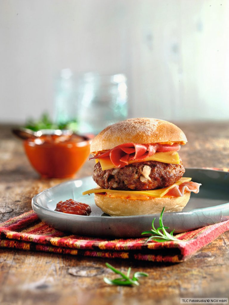burger andalusisch rezept essen und trinken. Black Bedroom Furniture Sets. Home Design Ideas