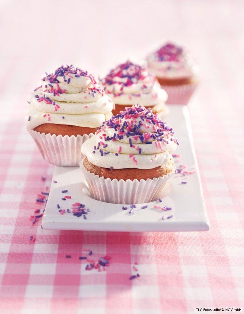 vanilla cupcakes rezept essen und trinken. Black Bedroom Furniture Sets. Home Design Ideas