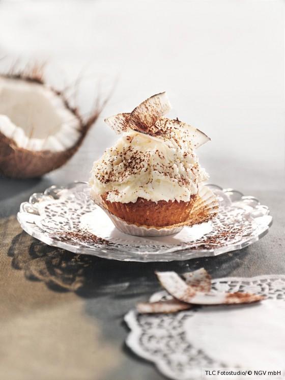 Kokos-Cupcakes mit Frischkäse-Frosting