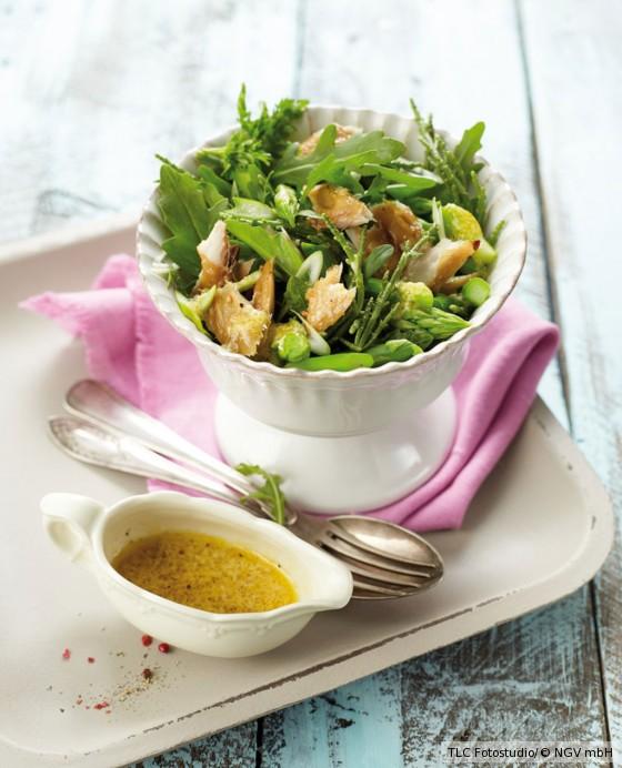 Spargel-Queller-Salat mit Räuchermakrele