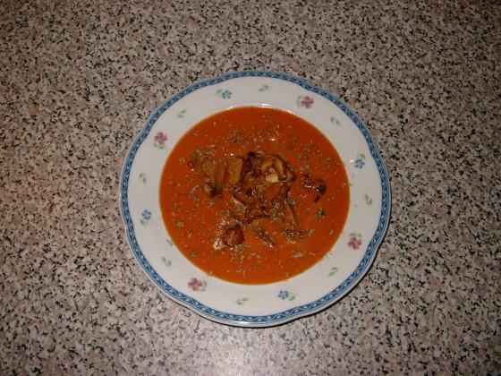 tomaten paprika suppe mit ged nsteten pfifferlingen rezept essen und trinken. Black Bedroom Furniture Sets. Home Design Ideas