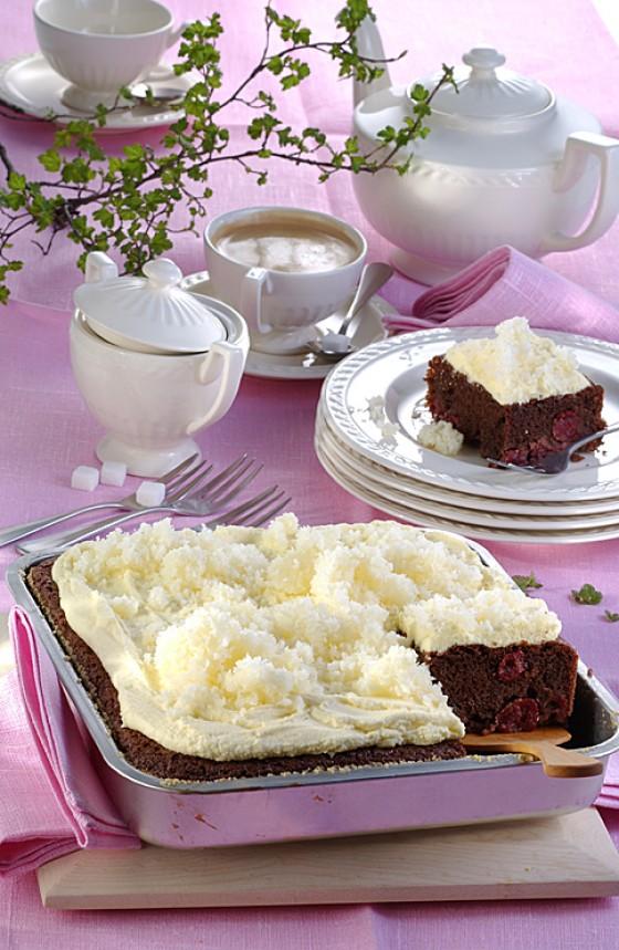 raffinierter kokos kirschkuchen rezept essen und trinken. Black Bedroom Furniture Sets. Home Design Ideas