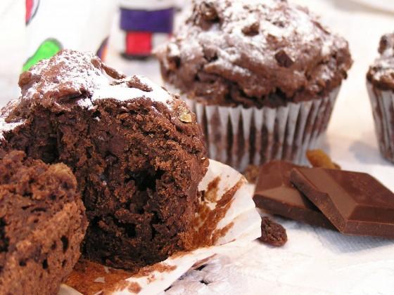 schoko rum rosinen muffins rezept essen trinken. Black Bedroom Furniture Sets. Home Design Ideas