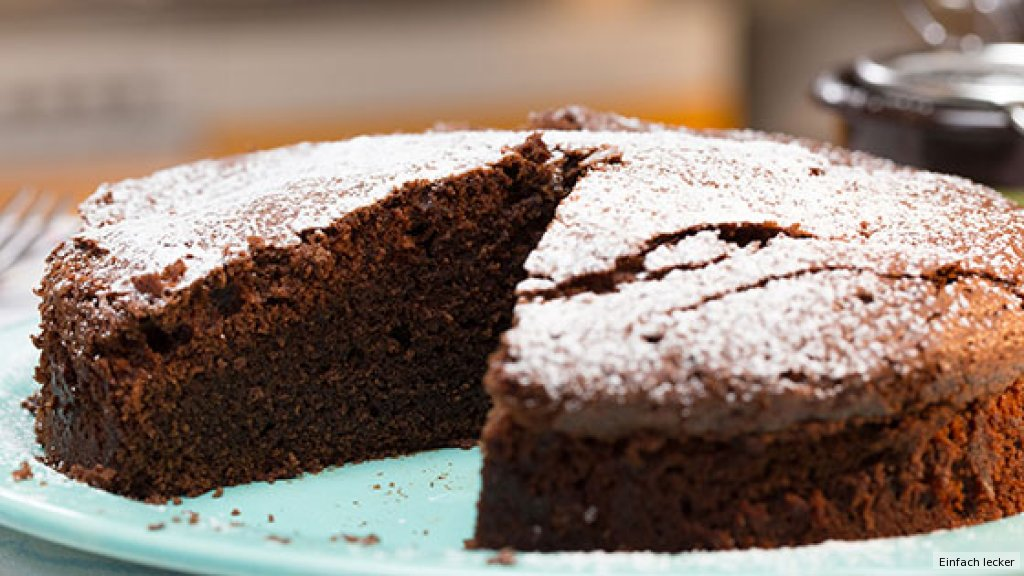 schokoladenkuchen rezept essen und trinken. Black Bedroom Furniture Sets. Home Design Ideas