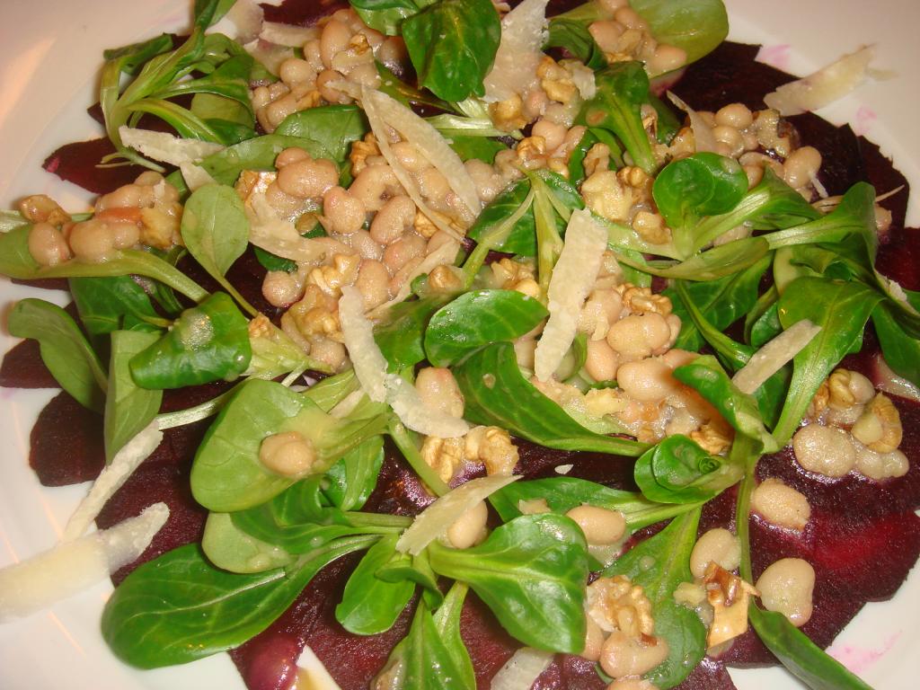 rote bete salat mit walnussvinaigrette rezept essen. Black Bedroom Furniture Sets. Home Design Ideas