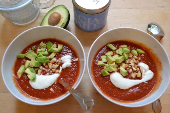 schnelle kalte tomatensuppe rezept essen und trinken. Black Bedroom Furniture Sets. Home Design Ideas