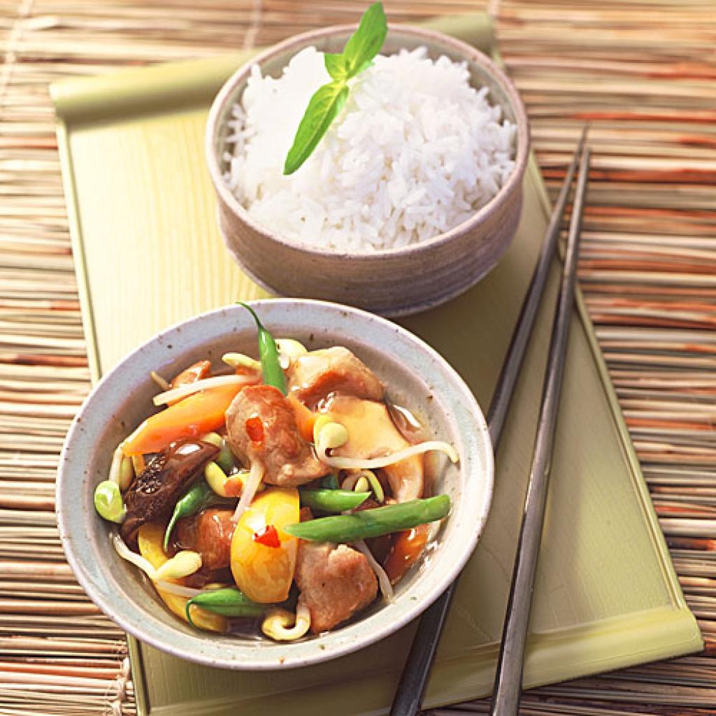 Schweineragout asiatisch rezept essen und trinken for Asiatisch wohnen
