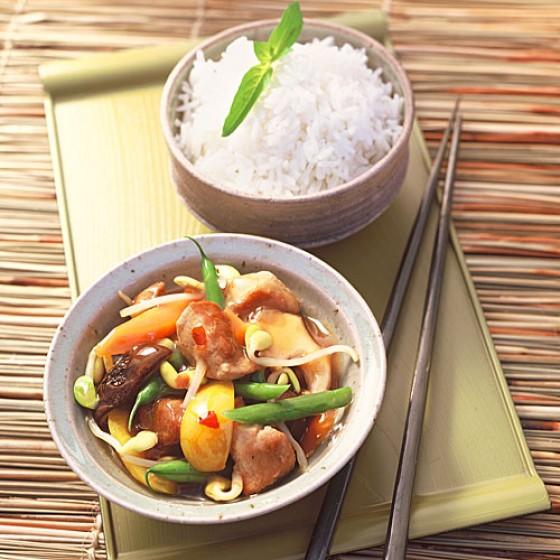 schweineragout asiatisch rezept essen und trinken. Black Bedroom Furniture Sets. Home Design Ideas
