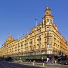 Im Londoner Stadtteil Knightsbridge befindet sich das berühmteste Einkaufszentrum, Harrods.