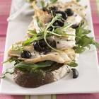 Haehnchen-Pesto-Brot mit Oliven