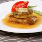 Seeschnecke (Abalone) ist in der Shandong-Küche eine Delikatesse