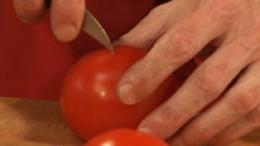 Tomatenhaut einritzen-schritt-02