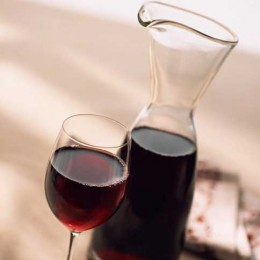 Dekantierter Rotwein
