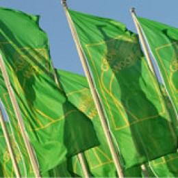 Vor der Messe Berlin wehten die Grüne Woche-Fahnen