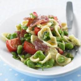 Nudel Salat mit dicken Bohnen