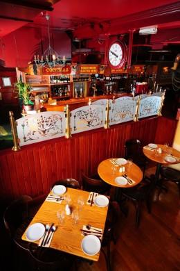 """Urig: In """"Porters English Restaurant"""" gibt es typisch englische Spezialitäten."""