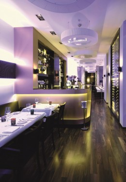 Design-Restaurant Bond