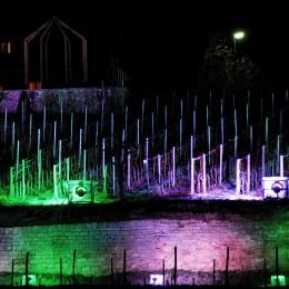 Farbenfrohe Frühlingsnacht am Weinberg