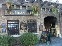 Einer der urigsten Pubs von Dublin: The Brazen Head