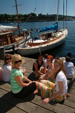 Sommerliche Temperaturen am Hafen