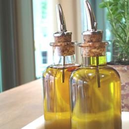 Natives Olivenöl eignet sich für Salate und Antipasti