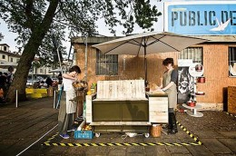 Public Pie: Zwei Öfen, eine Bank