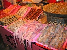 Nicht alles, was auf chinesischen Märkten angeboten wird, ist auch appetitlich