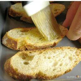 Ciabatta wird gern zu Crostini verarbeitet