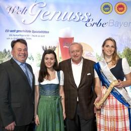 Staatsminister Huber, die Bayerische Milchkönigin, Alfons Schuhbeck und die Bayerische Meerrettichkönigin