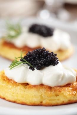 Blini: kleine Pfannkuchen aus Russland