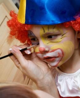 Beim Karneval verkleiden sich schon die Kleinsten