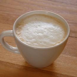 Ein kleiner Cappuccino hat weniger Kalorien als viele andere Kaffeespezialitäten.