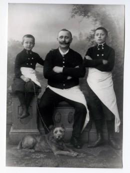 Karl Gref, der Gründer, mit seinen Söhnen Hermann und Fritz