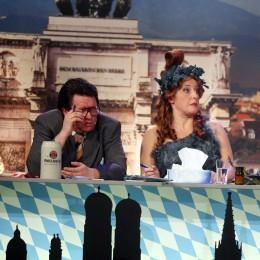 Die Kabarettisten Luise Kinseher und Helmut Schleich.