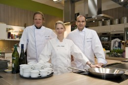 Wahabi Nouri, Cornelia Poletto und Björn Freitag haben das Taufmenü für die Mein Schiff 2 entwickelt