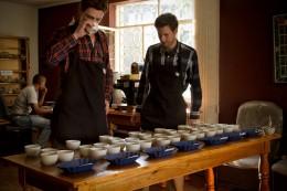 """""""Cupping"""": Kaffees verkosten und vergleichen"""