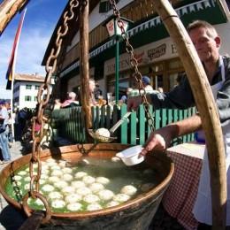 Knödel satt in Tirol