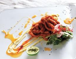 Chili-Tintenfisch mit Salat ist eines von Reuben Riffels Lieblingsgerichten