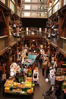 Indoor Wochenmarkt in Ottensen