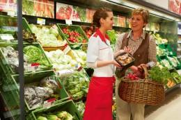 QS Nachhaltigkeit Frauen Gemüse Supermarkt