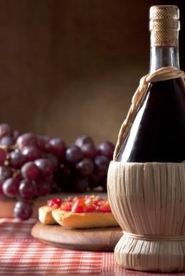Ein rustikaler Landwein passt zu einfacher Küche