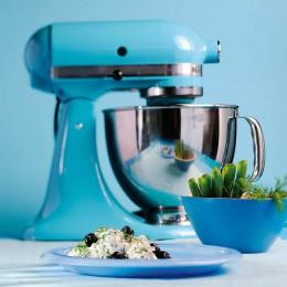 KitchenAid: Die Artisan Küchenmaschine in Cristallblau