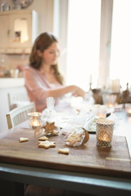 Tchibo Frau Tisch Kekse