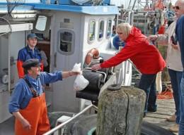 Fangfrischer Fisch direkt vom Schiff