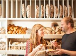 Brot aus dem Holzofen: Wiener Brot