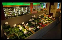 Obsttheke Supermarkt Veganz Berlin-Friedrichshain
