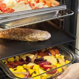 Mit dem ProCombi Multi-Dampfgarer können Sie gleichzeitig auf drei Ebenen Gerichte garen – ohne Geschmacksübertragung!