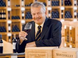Der Weinexperte René Gabriel präsentiert Bordeauxweine