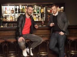 Die zwei Macher des Barwerk Hamburg: Marcel Baumann (links) und Fabio Haebel (rechts)