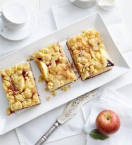 Apfelkuchen mit Holunder und Streuseln